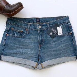 "Gap 3"" Inch Indigo Mid Rise Denim Shorts"